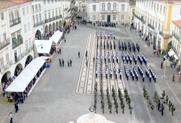 Militares e Civis presentes na Cerimónia Militar