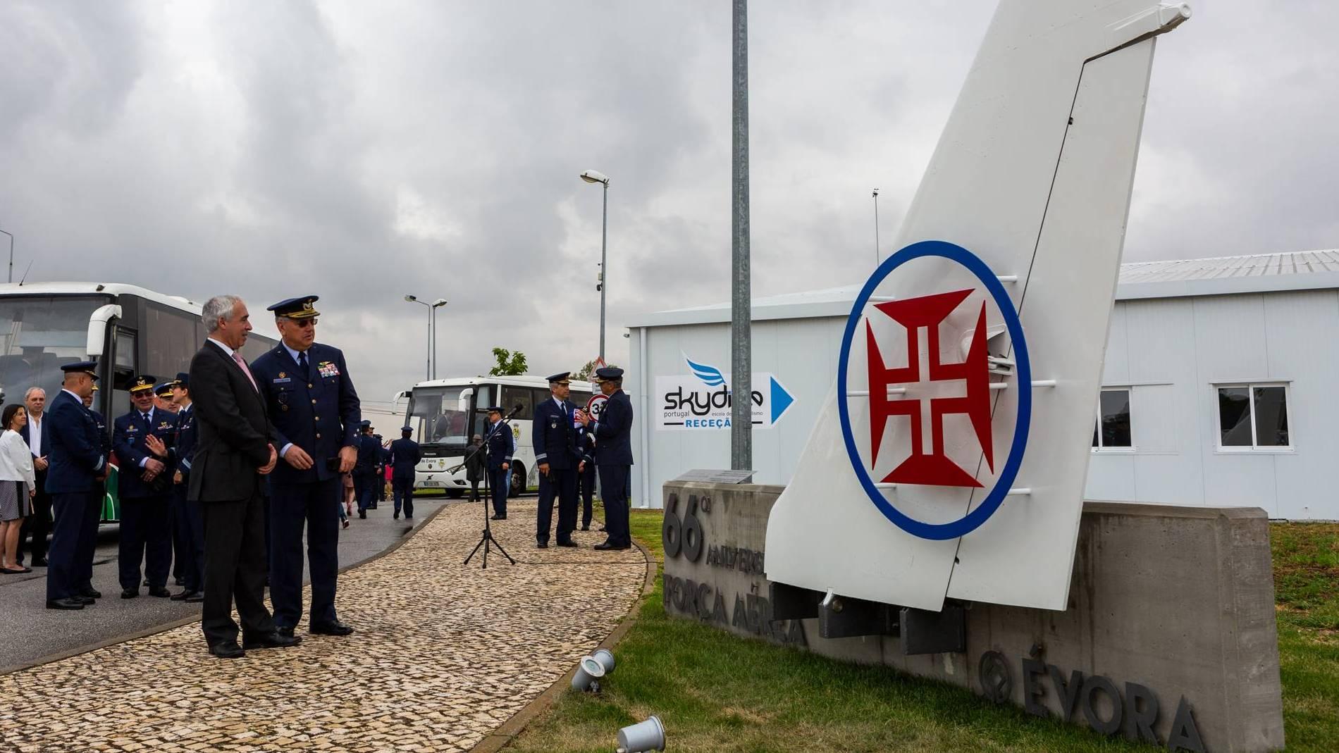 Força Aérea inaugura monumento no Aeródromo de Évora