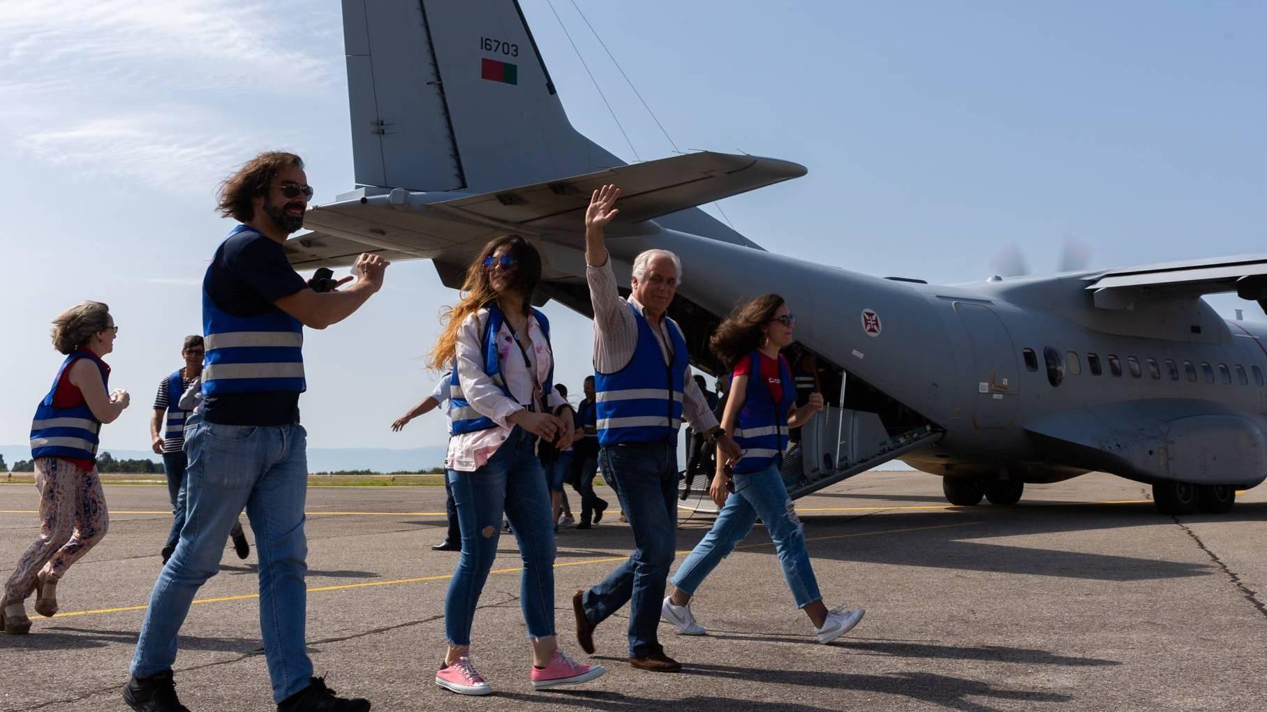 Mais de 600 adultos e crianças voam na aeronave C-295M (ESQ502)